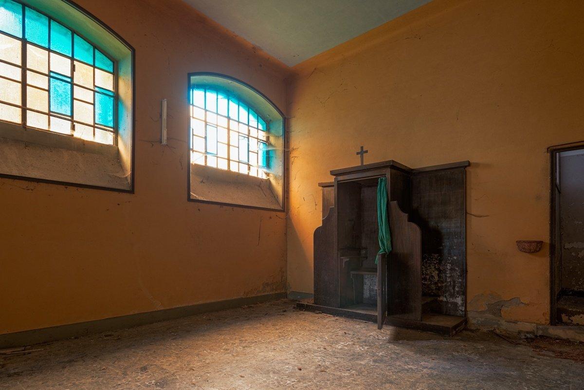 urban exploration photography from Italy urbex