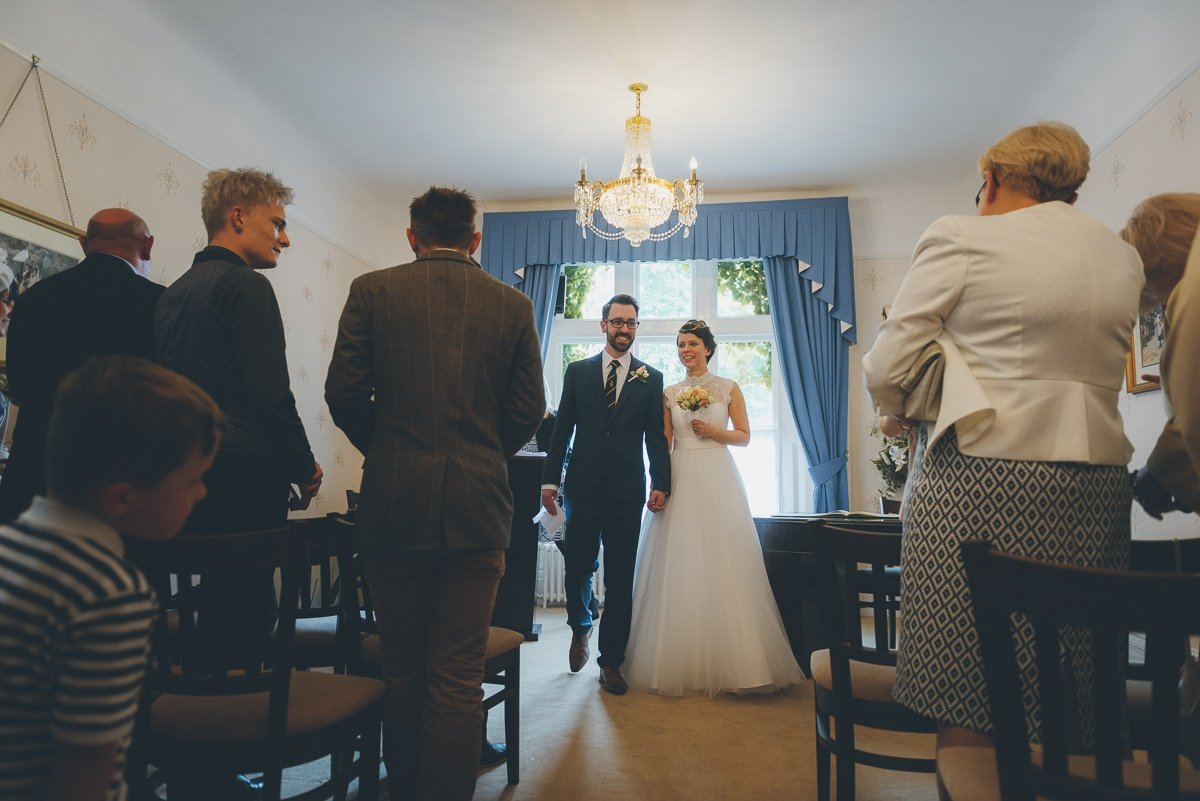 wedding photography from guildford registry office in surrey
