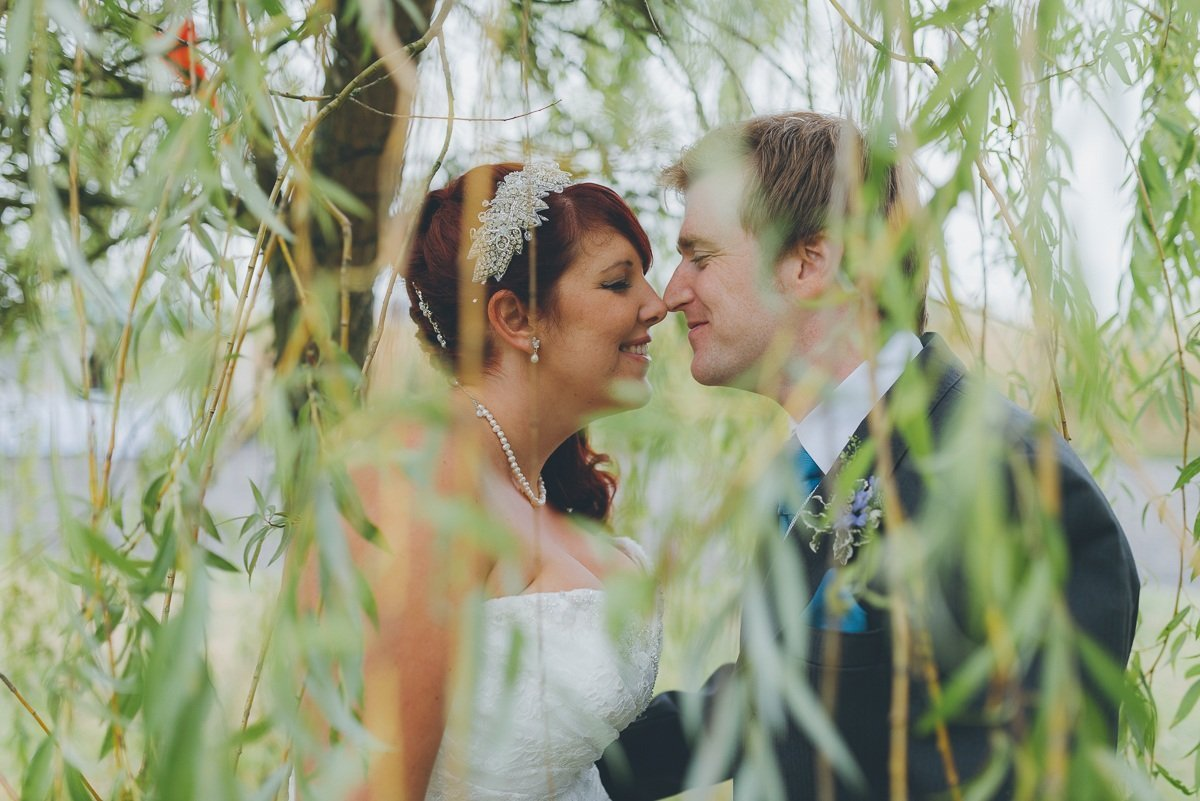 wedding photography from park view farm in easthampstead