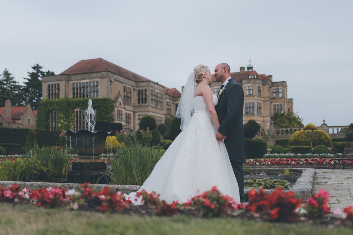 wedding photography from fanhams hall hotel in ware